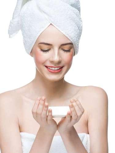 Sabonetes com formulação hidratante são ideias para diminuir a vermelhidão cutânea