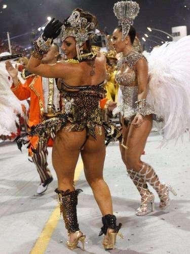 Detalhe do desfile da Gaviões da Fiel