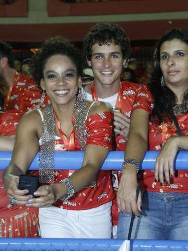 Felipe Dylon curte com Aparecida o carnaval do Rio