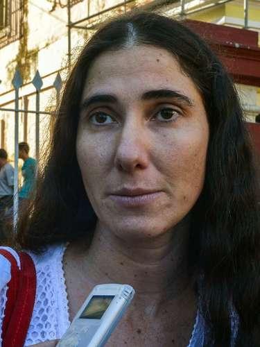 No último mês de janeiro, as autoridades cubanas outorgaram a Yoani o passaporte que solicitou após a nova reforma migratória que flexibiliza as viagens dos cubanos ao exterior, após haver-lhe negado 20 vezes nos últimos cinco anos a permissão de saída
