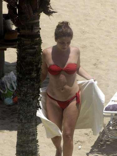 Giovanna Antonelli, a Helô de Salve Jorge, dedicou sua folga à praia da Barra