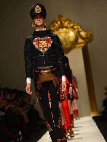 A Moschino também subiu à passarela de Milão nesta sexta-feira e apresentou uma coleção marcante