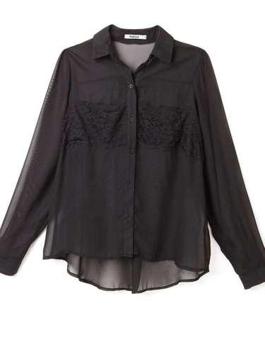 Camisa preta com detalhes em renda, da Marisa. Preço: R$ 69,99. Informações: 4004-2211 (capitais) e 0800-7281122 (outras localidades)