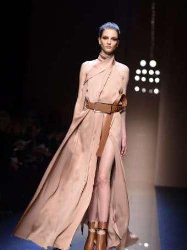 A Gianfranco Ferre propôs bastante pele à mostra durante o desfile na semana de moda de Milão