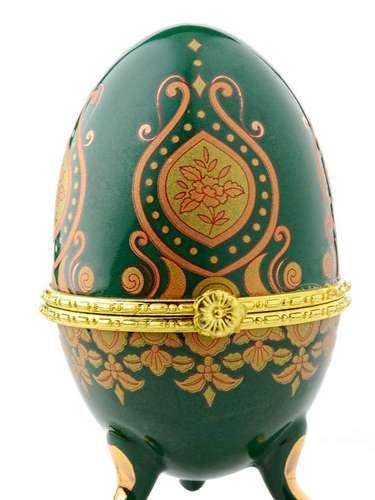 Os Ovos Fabergé são um exemplo do tipo de ovos que eram trocados pela realeza francesa