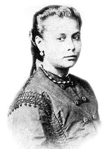 Chiquinha na juventude, já casada com um oficial da Marinha Mercante, com quem teve três filhos