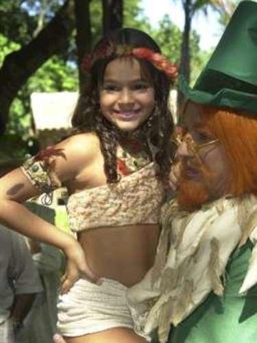 Ainda em 2004, elaviveu a personagem Jajale, no 'Sítio do Picapau Amarelo', da TV Globo. Na foto, Marquezineposa com Candido Damm, oVisconde