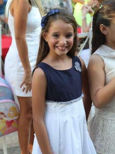 A atriz Kiria Malheiros, que interpreta a Raissa - filha de Antônia (Letícia Spiller) - na novelaSalve Jorge, desfilou nesta sábado para a grifeLouxinfant