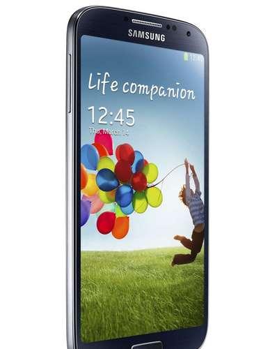 O aparelho roda Android Jelly Bean, possui câmera traseira de 13 megapixels e dianteira de 2 megapixels