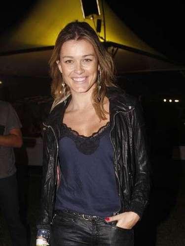 Celebridades marcaram presença também no segundo dia do festival Lollapalooza, que acontece neste sábado (30), no Jockey Club de São Paulo. Na foto, a repórterKika Martinez