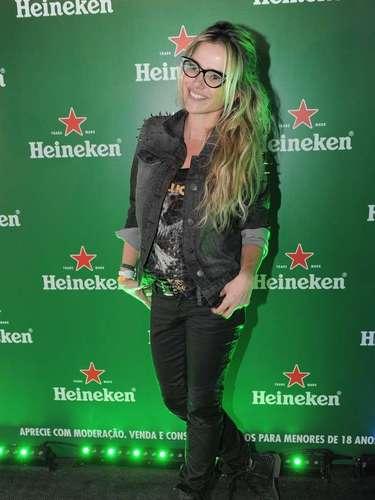 Neste sábado (30), segundo dia do festival Lollapalooza Brasil 2013, o Jockey Club de São Paulo recebeu alguns famosos. Na foto, a atriz Nathalia Rodrigues