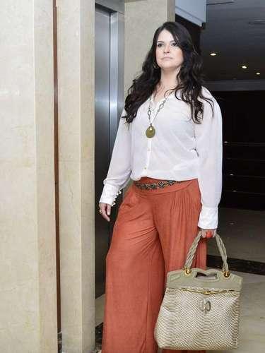 Estilista Cátia Ferrari criacoleção de moda plus size inspirada em estilo da delegada Helô, personagem deGiovanna Antonelli na novelaSalve Jorge