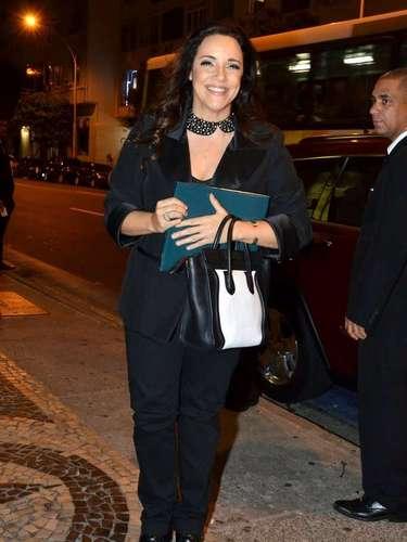 Famosos foram ao aniversário de 60 anos do cantor Lulu Santos no Copacabana Palace. Entre eles, acantora Ana Carolina