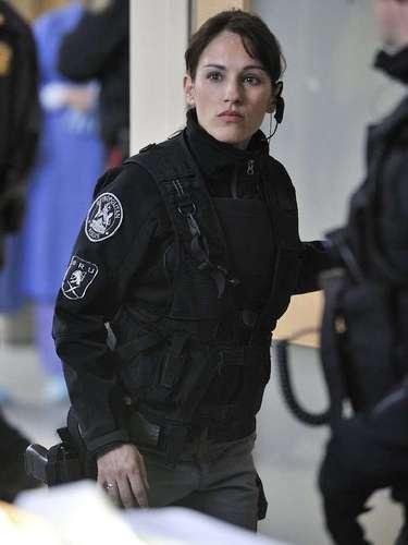 Ela também ganhou fama e prêmios como uma das estrelas da série Flashpoint(2008 - 2012)