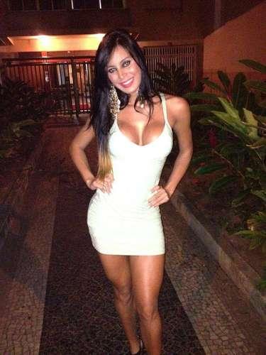 Lorena Bueri (suposto affair de Fred e Neymar)