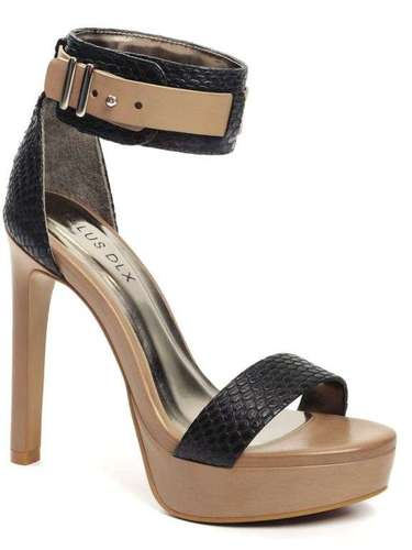 Sandália da Ellus. Preço: R$ 349. Informações: (11)3061-2900
