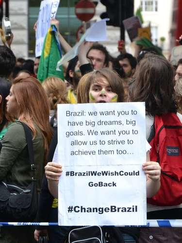 18 de Junho -Os participantes pintaram o rosto com as cores da bandeira brasileira