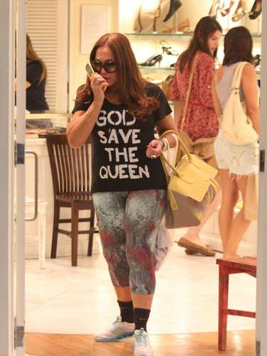Susana durante passeio em shopping, neste ano