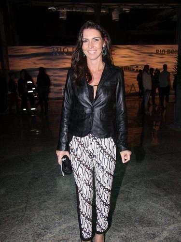 A repórter Glenda Kozlowski foi vista pelos corredores do Fashion Rio, no primeiro dia do evento. A jornalista contou que mantém a forma física, ela tem 1,70 m de altura e pesa 57 kg, com corrida diária, spinning e pilates. A fase \