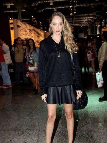 A modelo Thalita Pugliese também está na lista dos primeiros famosos a chegarem ao evento
