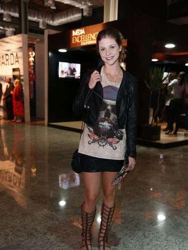 A atriz Cristiana Ubach chegou ao Fashion Rio nesta sexta-feira para acompanhar desfiles