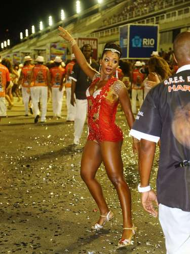 Luana Bandeira participou nesse domingo (26) do ensaio técnico da Estácio de Sá, na Sapucaí, no Rio de Janeiro