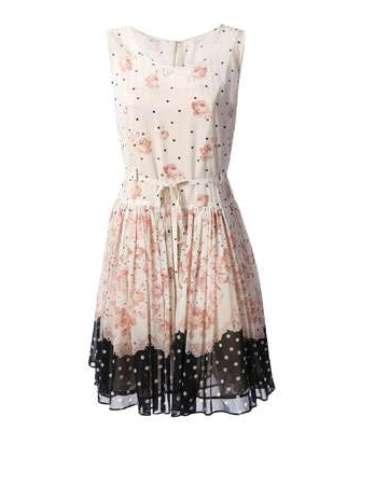Vestido floral com renda Red Valentino para Farfetch. R$ 6.590. SAC: (11) 3958-8695