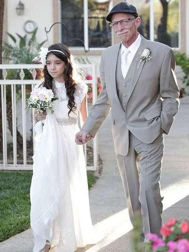 O pai de Josie tem câncer terminal e a garota de 11 anos estava chateada por seu pai não poder estar presente nas memórias futuras