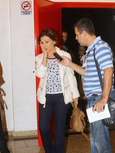 Emocionada, atriz Natália do Vale esteve no velório de José Wilker