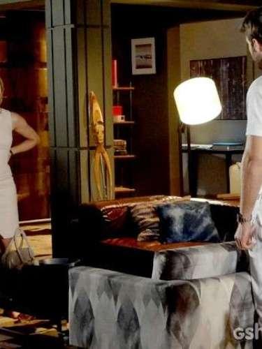 Gabriel descobre que Silvia faz visitas constantes a Cadu e coloca a noiva na parede. Ela, então, decide adiar o casamento