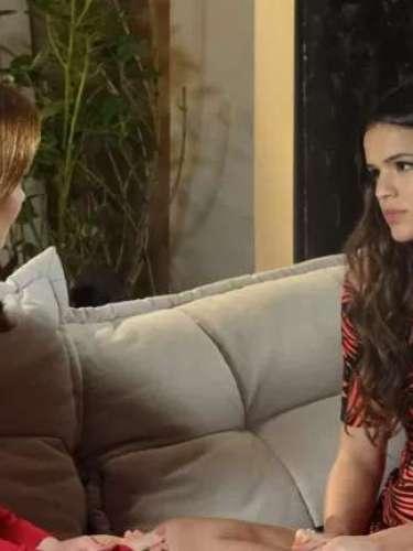 Luiza confessa que não está segura com seu casamento com Laerte
