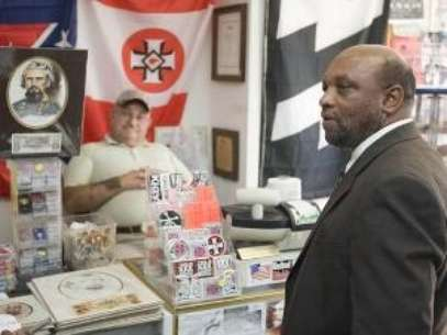 Judge: Black Church Rightful Owner Of KKK Store. Foto: AP