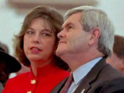 Foto: Getty Images: Newt Gingrich sits with his wife Marianne
