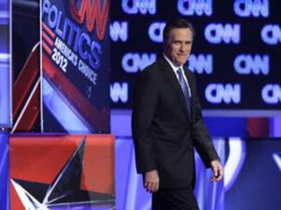 Mitt Romney leaves the stage during the South Carolina debate. Foto: AP