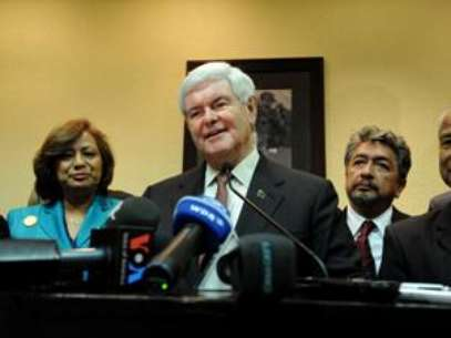 Newt Gingrich talks during a press conference announcing a new endorsement. Foto: AP