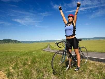 Estudos dizem que os exercícios ao ar livre são mais benéficos que os praticados em ginásios e academias  Foto: Getty Images