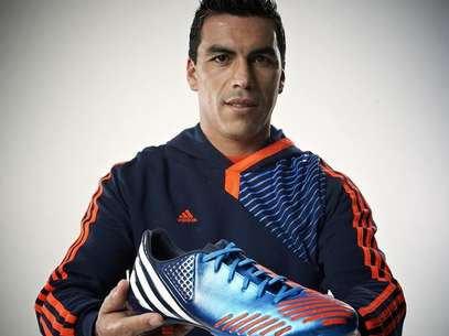 Esteban Paredes ya disfrut de las bondades del nuevo zapato Adidas. Foto: Terra