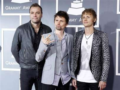 British band Muse arrives at the 53rd annual Grammy Awards in Los Angeles, California February 13, 2011. Foto: Danny Moloshok / Reuters In English