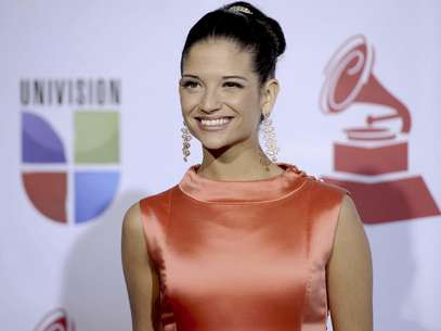 Natalia Jimnez llega a la 12a entrega anual de los Latin Grammy en Las Vegas el 10 de noviembre del 2011. La cantante espaola, ex vocalista de La Quinta Estacin, trabaja actualmente en su segundo lbum como solista.  Foto: Chris Pizzello, Archivo / AP