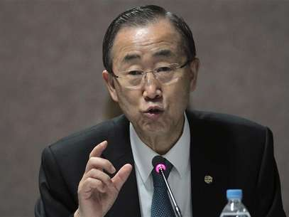 U.N. Secretary-General Ban Ki-moon talks during a meeting with representatives of the People's Summit in Rio de Janeiro June 22, 2012. Foto: Ueslei Marcelino / Reuters In English
