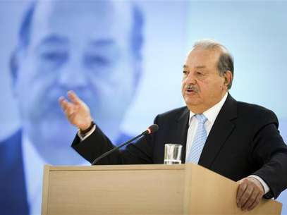 Mexican telecommunications and retail tycoon Carlos Slim Helu delivers his speech on the impact of new technologies during a lecture organized by the United Nations Institute for Training and Research (UNITAR) at the United Nations European headquarters in Geneva June 11, 2012. Foto: Valentin Flauraud / Reuters In English