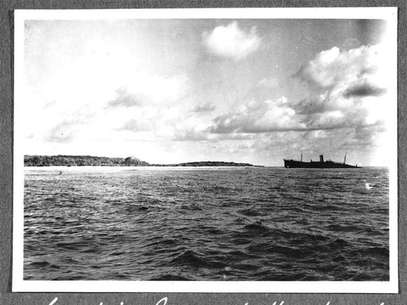 The reef at Nikumaroro, Republic of Kiribati, is pictured in this October 1937 photograph released on March 21, 2012. Scientists on March 20, 2012 announced a new search to resolve the disappearance of Amelia Earhart, saying fresh evidence from the remote Pacific island may reveal the fate of renowned Earhart, who vanished in 1937 while attempting to circle the globe. Foto: Handout / Reuters In English