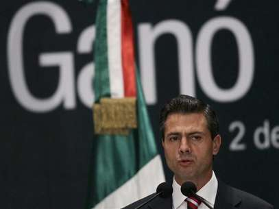 Mexico's President-elect Enrique Pena Nieto delivers a speech to the media at a hotel in Mexico City July 2, 2012. Foto: Henry Romero / Reuters In English