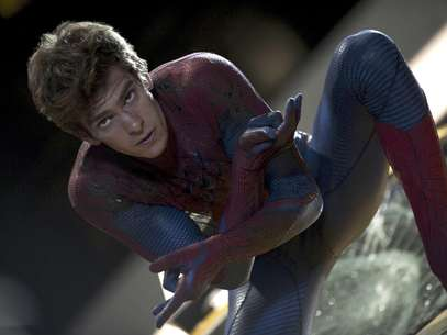 En este fotograma difundido por Sony Pictures,  Andrew Garfield aparece en una escena de la pelcula&quot;The Amazing Spider-Man (El sorprendente hombre araa) que destaca en las salas de Estados Unidos con una recaudacin de 140 millones de dlares en los primeros seis das de proyeccin, de acuerdo con cifras divulgadas el domingo 8 de julio de 2012.  Foto: Columbia - Sony Pictures, Jaimie Trueblood / AP
