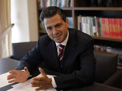 Mexico's President-elect Enrique Pena Nieto meets with the foreign press in Mexico City July 2, 2012. Foto: Claudia Daut / Reuters In English