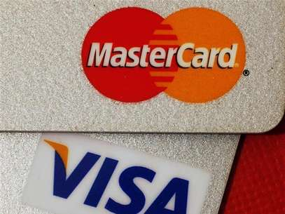MasterCard and VISA credit cards are seen in this illustrative photograph taken in Hong Kong December 8, 2010. Foto: Bobby Yip / Reuters In English