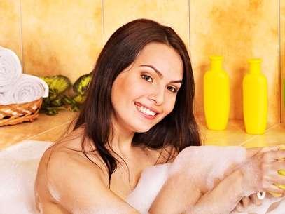 Pílula pode ser dissolvida diretamente na água da banheira e também na esponja de banho Foto: Shutterstock