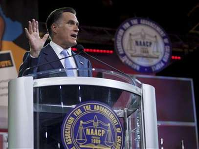 Republican presidential candidate Mitt Romney speaks at the NAACP convention in Houston July 11, 2012. Foto: Richard Carson / Reuters In English