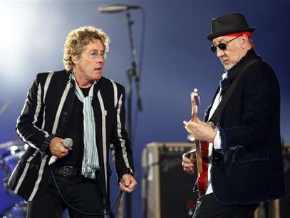 Roger Daltrey (L) and Pete Townshend of British rock band 'The Who' perform during the halftime show for the NFL's Super Bowl XLIV football game between the New Orleans Saints and the Indianapolis Colts in Miami, Florida February 7, 2010. Foto: Jeff Haynes / Reuters In English