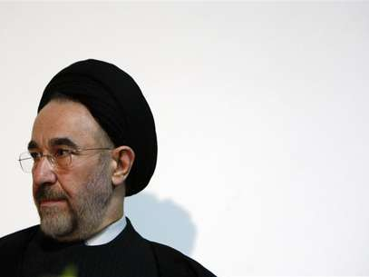 Former Iranian President Mohammad Khatami waits to make a keynote speech to an audience at a university in Melbourne March 26, 2009. Foto: Mick Tsikas / Reuters In English